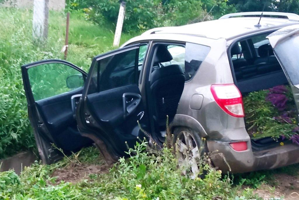 Foto /FOTO/ Accident matinal în raionul Sângerei. O tânără de 21 ani a fost transportată la spital 2 26.10.2021