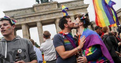 Foto Венгерский парламент одобрил закон, запрещающий пропаганду ЛГБТ в школах 6 29.07.2021