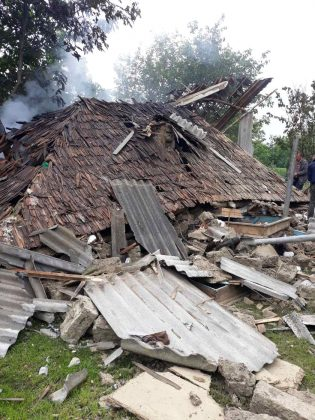 Foto /FOTO/ Deflagrație în raionul Soroca. Un bărbat a ajuns la spital cu arsuri de gradul II și III 1 28.07.2021