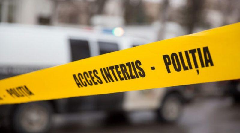 Omor în raionul Edineț. Un bărbat și-a omorât amicul de pahar cu toporul