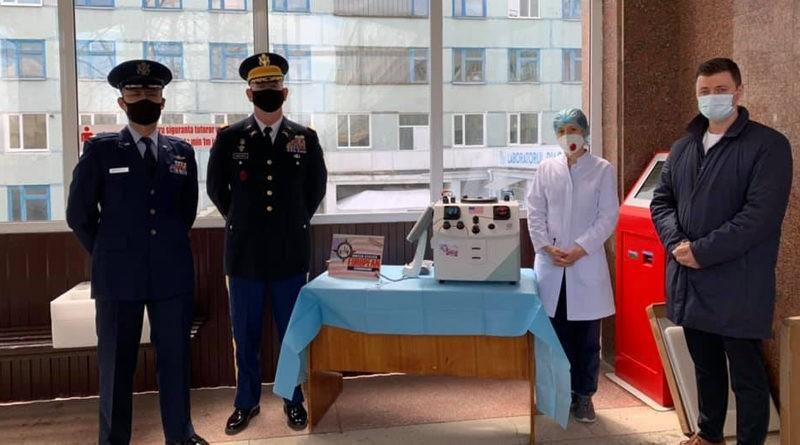 """Foto Reacția inginerului și a directorului de la Spitalul Clinic Bălți, unde un aparat folosit a fost donat ca nou-nouț: """"Poate noi am fi închis ochii la așa ceva, dar Ambasada, nu"""" 1 17.10.2021"""