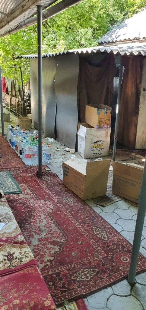 Foto /FOTO/ Două femei din Bălți vindeau alcool contrafăcut chiar la domiciliu. Acum riscă amendă 1 28.07.2021