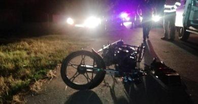 /FOTO/ Accident cu implicarea unei motorete în raionul Dondușeni. Un tânăr a decedat pe loc