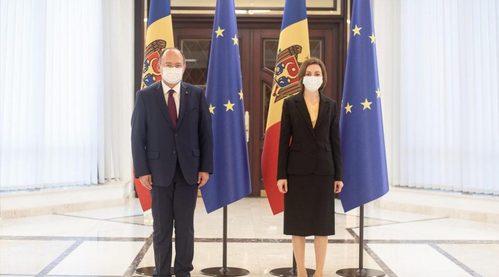 Foto Власти Румынии выделят 300 тысяч евро на поддержку гражданского общества и свободной прессы в Республике Молдова 1 17.10.2021