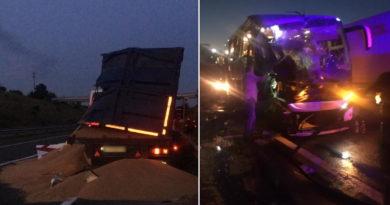 Foto В Одесской области столкнулись рейсовый автобус «Киев-Кишинев» и грузовой автомобиль, один пассажир автобуса скончался 4 29.07.2021