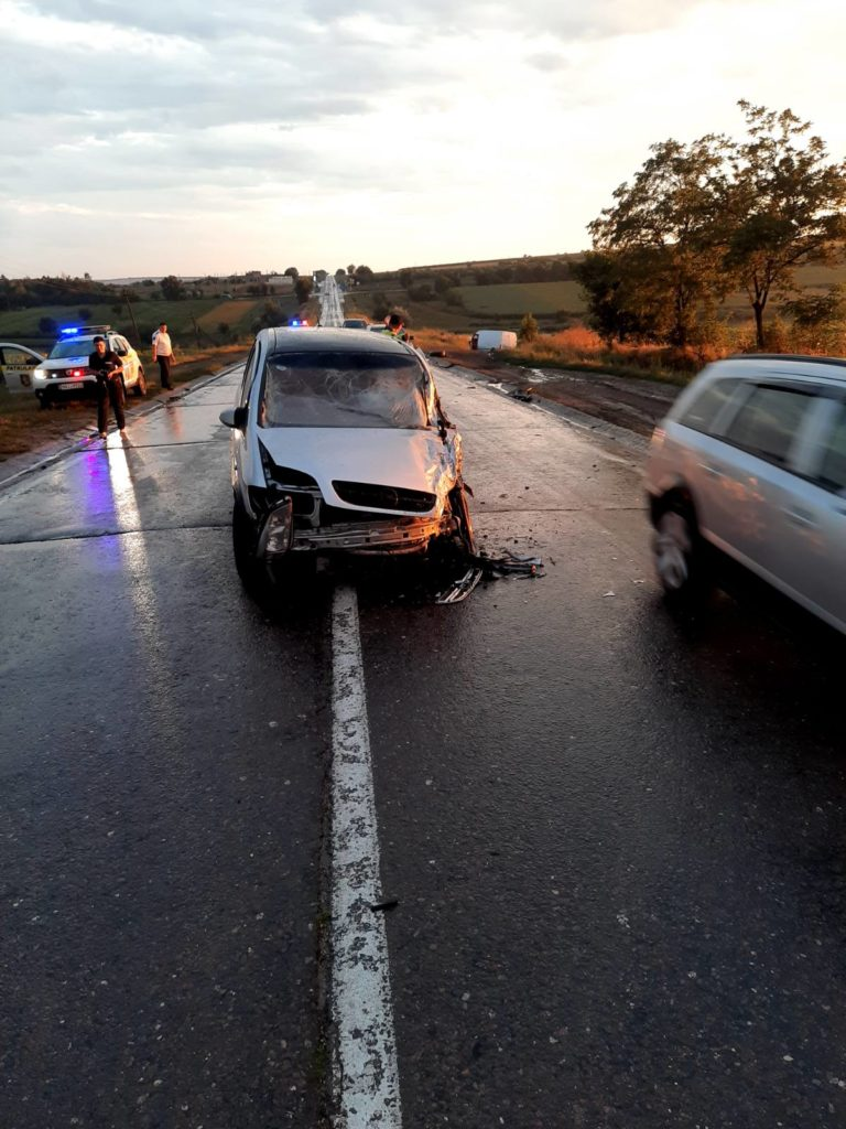 Foto /FOTO/ O femeie din Fălești a fost transportată la spital în urma unui accident rutier 1 21.09.2021
