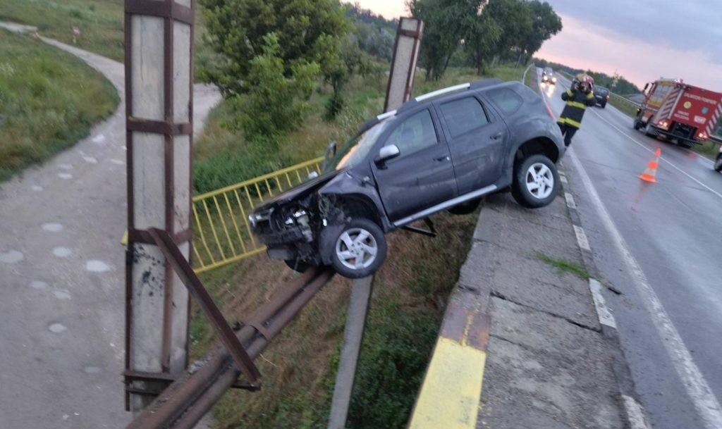 Foto /FOTO/ Un tânăr din raionul Sângerei s-a tamponat cu automobilul într-un parapet pe centura orașului Bălți 3 21.09.2021
