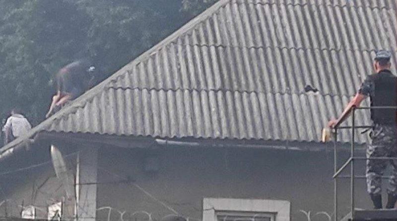 Protest la Penitenciarul nr. 2 din raionul Briceni. Un deținut a incendiat o celulă, iar alte încăperi au fost distruse
