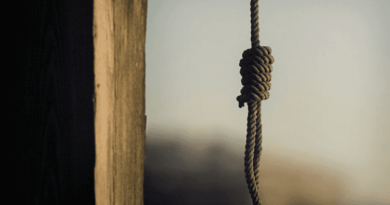 Un bărbat din raionul Briceni, în vârstă de 91 ani, a fost găsit strangulat în propria gospodărie