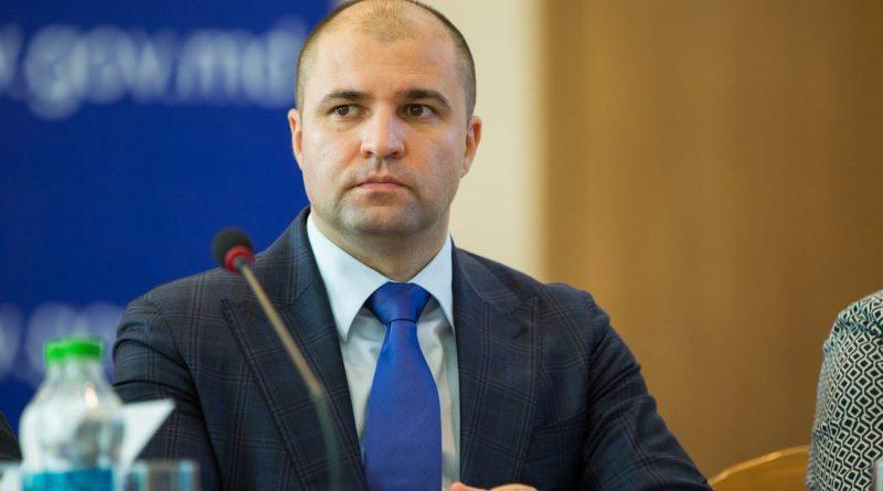 Deputatul Vladimir Cebotari a fost scos de sub urmărirea penală în dosarul concesionării Aeroportului Internațional Chișinău
