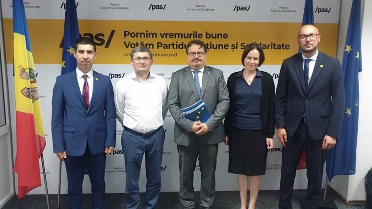 Foto Посол Европейского союза Петер Михалко пообещал руководству PAS доступ к 600 млн евро 1 28.07.2021