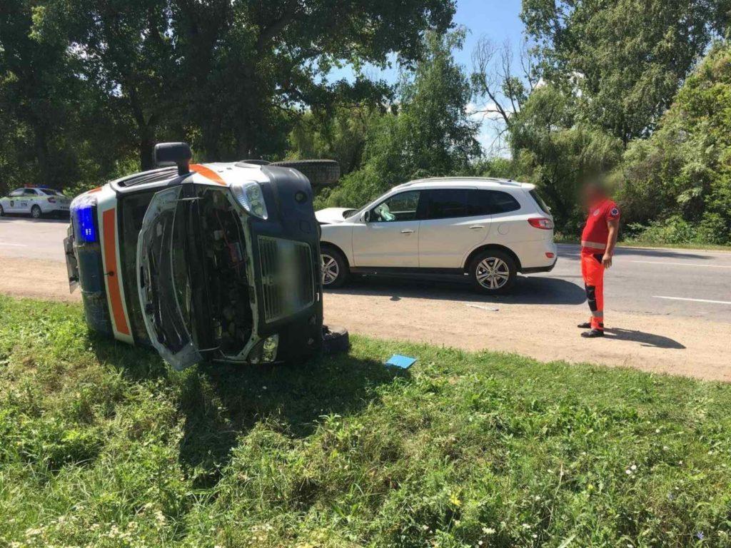 Foto /VIDEO/ Accident în raionul Edineț. O ambulanță s-a răsturnat în timp ce se deplasa la chemare 1 21.09.2021