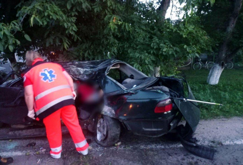 Foto /FOTO/ Grav accident în raionul Briceni. Un tânăr a murit, iar alții doi au ajuns la spital 3 21.09.2021