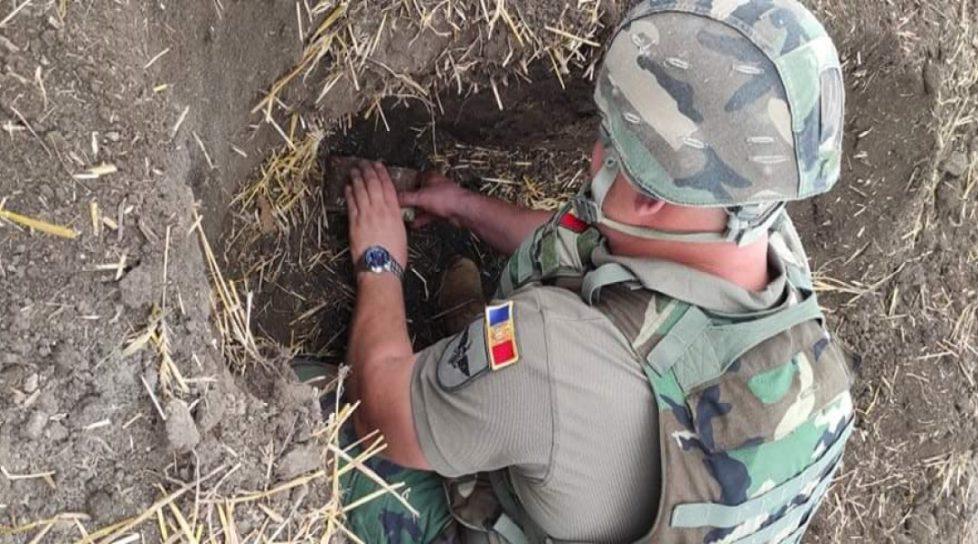 /FOTO/ Peste 70 de muniții au fost lichidate în luna iulie de către geniștii Armatei Naționale