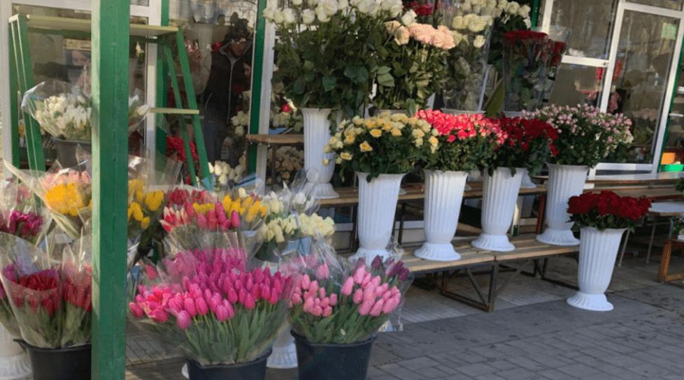 Comercianții de flori din Bălți și Chișinău vor fi verificați de Serviciul Fiscal în ajun de 1 septembrie