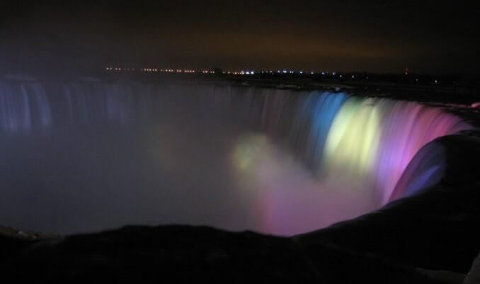 Cascada Niagara va fi iluminată în culorile drapelului Republicii Moldova pe 27 august 2021