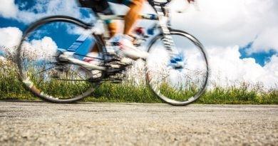 Biciclist lovit de o mașină la Bălți. Șoferul a părăsit locul accidentului