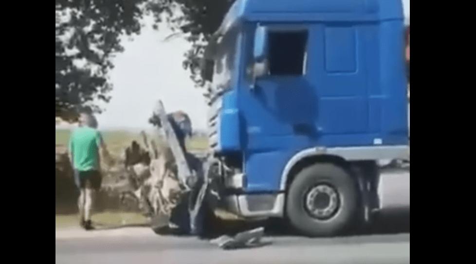 /VIDEO/ Accident cu implicare a patru unități de transport în raionul Drochia