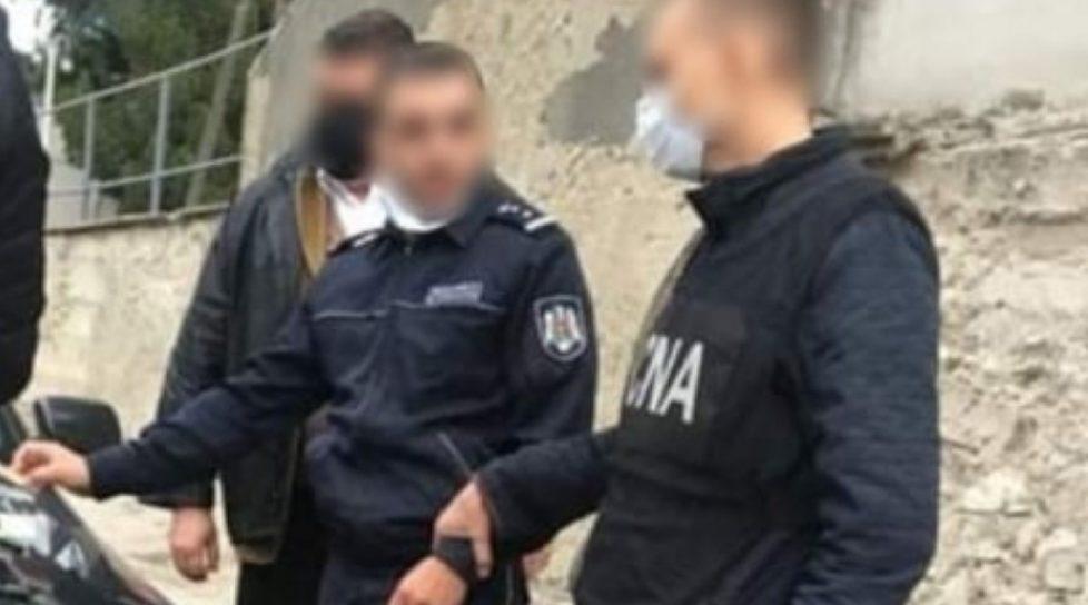 Polițist din raionul Edineț reținut de CNA pentru trafic de influență. Riscă până la șase ani de închisoare