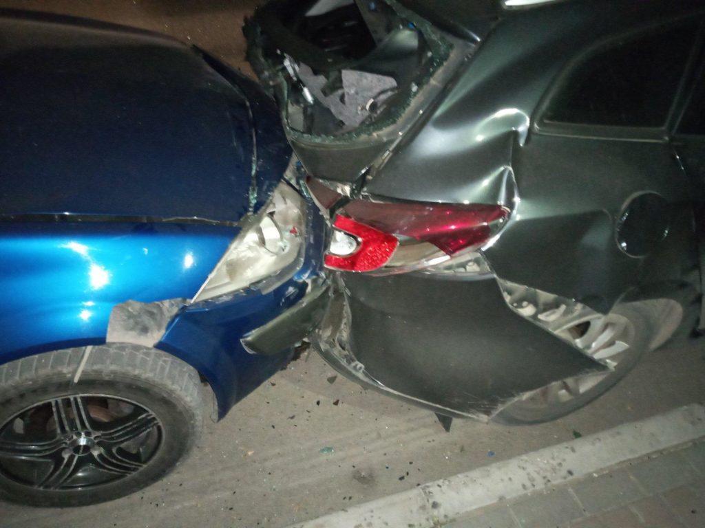 Foto /FOTO/ Carambol pe o stradă din Bălți. Un șofer a accidentat patru automobile și a fugit de la locul faptei 2 27.10.2021