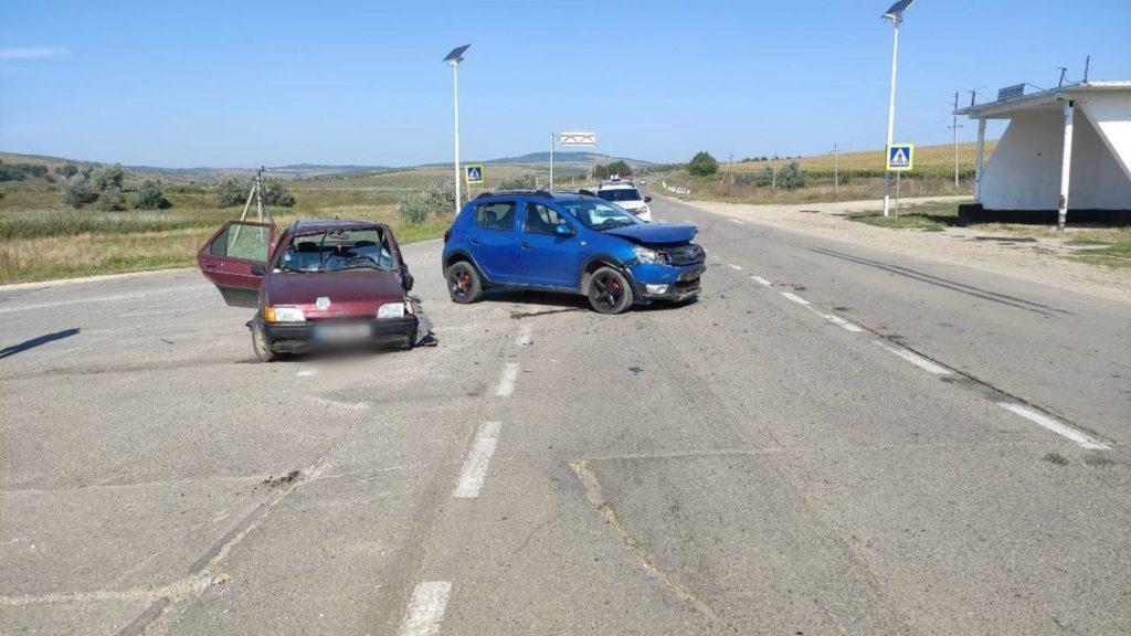 Foto /FOTO/ Accident în raionul Sîngerei. Mai multe persoane au avut nevoie de îngrijiri medicale 5 27.10.2021