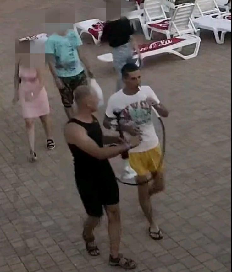 Foto Doi bărbați au furat o narghilea de pe teritoriul unui bazin din Bălți 2 27.10.2021