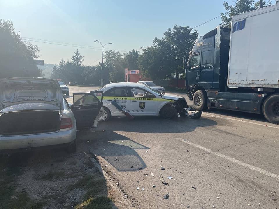 Foto /FOTO/ Un polițist a ajuns la spital cu multiple traumatisme. Se deplasa să documenteze un accident din raionul Edineț 2 21.09.2021