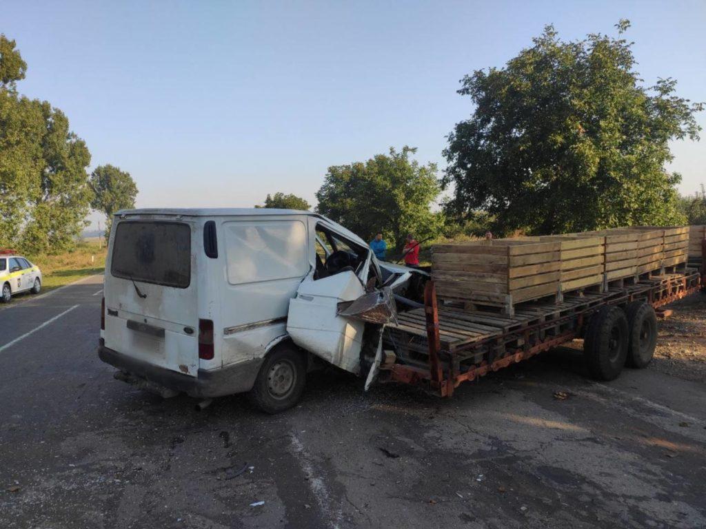 Foto /FOTO/ Accident în raionul Briceni. Două persoane transportate la spital 2 21.09.2021