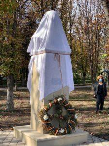 """Foto /FOTO/ """"Sfântul închisorilor"""" la Sîngerei. Bustul în memoria deținutului politic anticomunist a fost instalat în oraș 4 27.10.2021"""