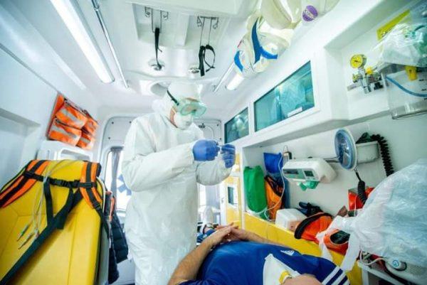 Foto Echipele de pe ambulanță vor putea testa pacienții la COVID-19 1 27.10.2021
