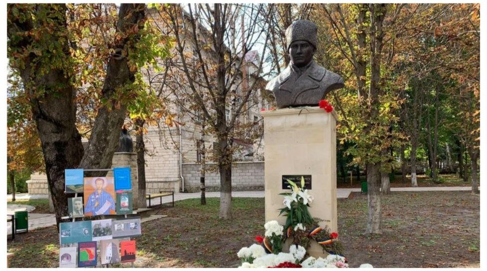 """Foto /FOTO/ """"Sfântul închisorilor"""" la Sîngerei. Bustul în memoria deținutului politic anticomunist a fost instalat în oraș 1 27.10.2021"""