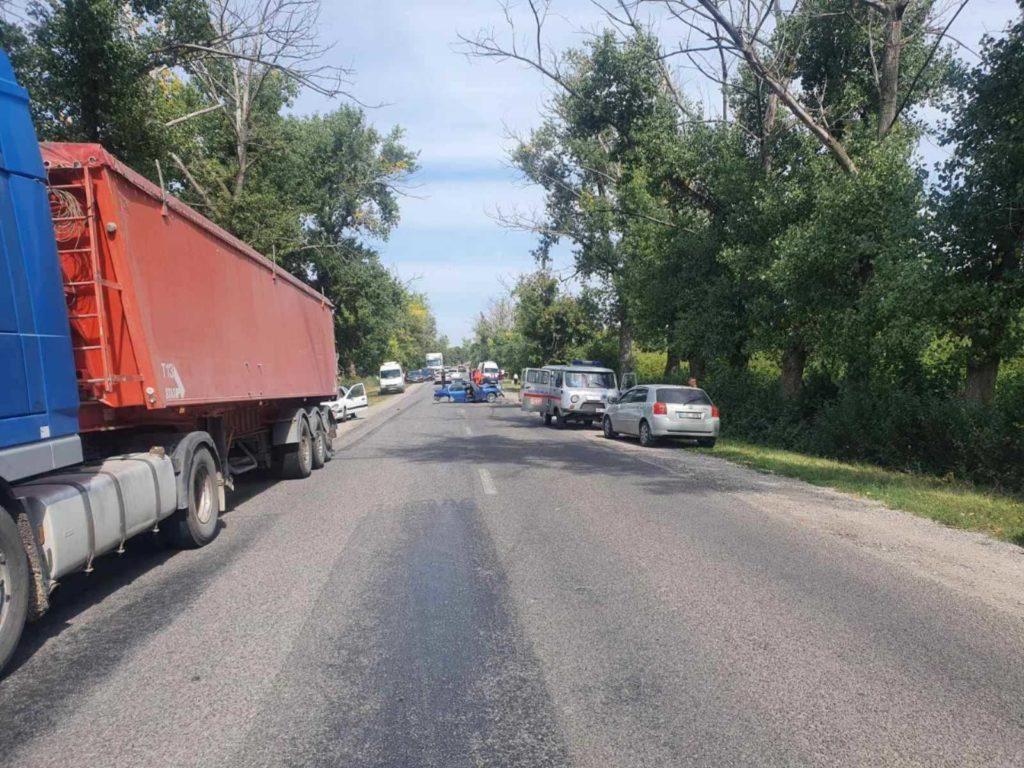 Foto /VIDEO/ Accident cu implicare a patru unități de transport în raionul Drochia 1 27.10.2021