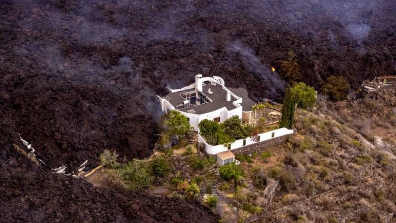 """Foto /FOTO/Ministrul Turismului din Spania a spus că erupția vulcanică din Canare este """"un spectacol minunat"""" și că ar putea atrage turiști 2 17.10.2021"""
