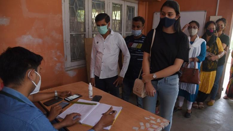 Foto Milioane de indieni au fost lăsați fără internet în încercarea de a se evita fraudele în timpul unui examen 1 17.10.2021