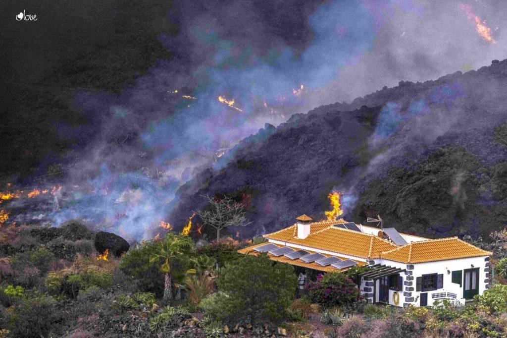 """Foto /FOTO/Ministrul Turismului din Spania a spus că erupția vulcanică din Canare este """"un spectacol minunat"""" și că ar putea atrage turiști 4 17.10.2021"""