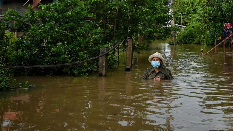 Foto /FOTO/Thailanda a intrat în alertă. O furtună tropicală a scufundat 70.000 de locuințe, a ucis șase oameni și amenință capitala Bangkok 4 27.10.2021