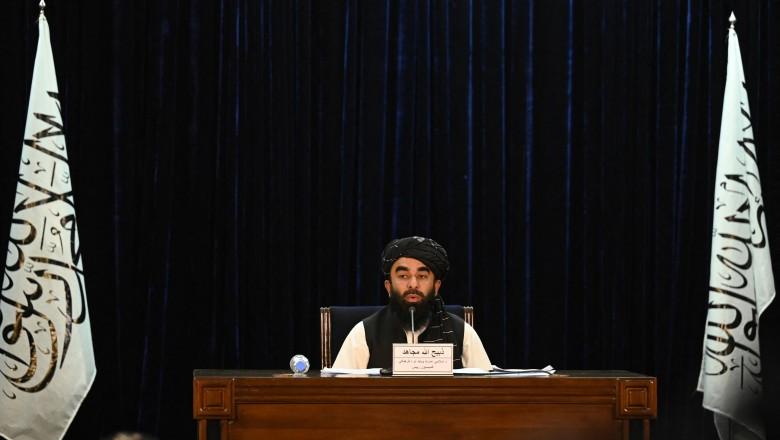 Foto Talibanii au anunțat formarea noului guvern în Afganistan. Ministrul de interne dat în căutare de FBI 1 27.10.2021