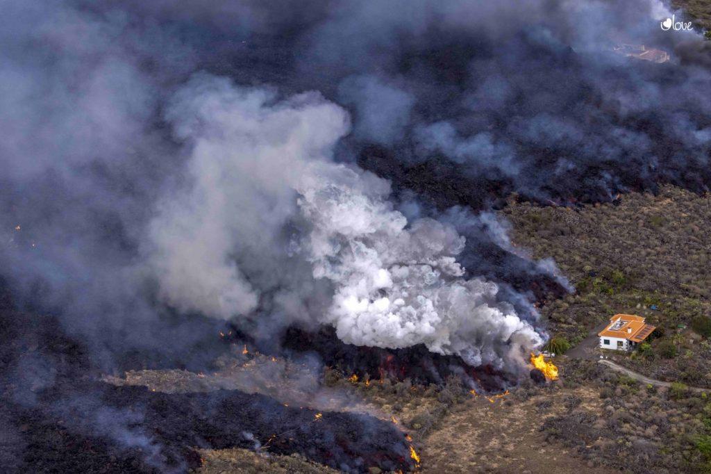 """Foto /FOTO/Ministrul Turismului din Spania a spus că erupția vulcanică din Canare este """"un spectacol minunat"""" și că ar putea atrage turiști 7 17.10.2021"""
