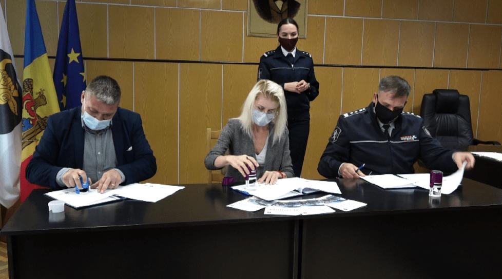 Foto /VIDEO/ Treceri de pietoni denivelate și camere de supraveghere video, pentru locuitorii din comuna Balatina, raionul Glodeni 1 27.10.2021