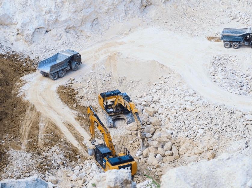 Foto /VIDEO/ Spălare de bani și unități de transport fără testare tehnică. Mai multe ilegalități la o carieră de piatră din nordul țării 6 17.10.2021