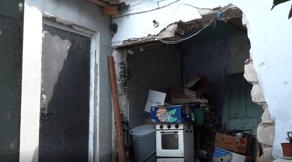 /VIDEO/ Riscă să rămână în stradă. Două familii din Bălți au căzut pradă escrocilor