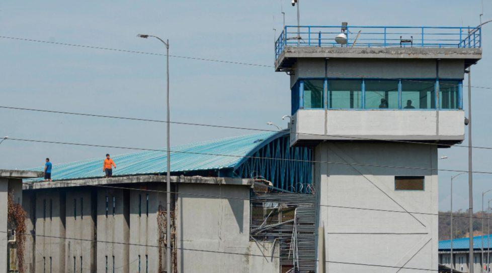 Foto Măcel într-o închisoare din Ecuador. Autoritățile anunță un bilanț de 24 de morți și 42 de răniți 1 17.10.2021