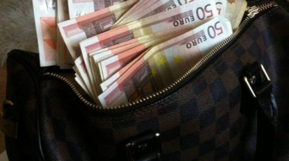 Moldovean reținut pe Aeroportul Chișinău. A vrut să scoată ilegal din țară o sumă impunătoare de bani