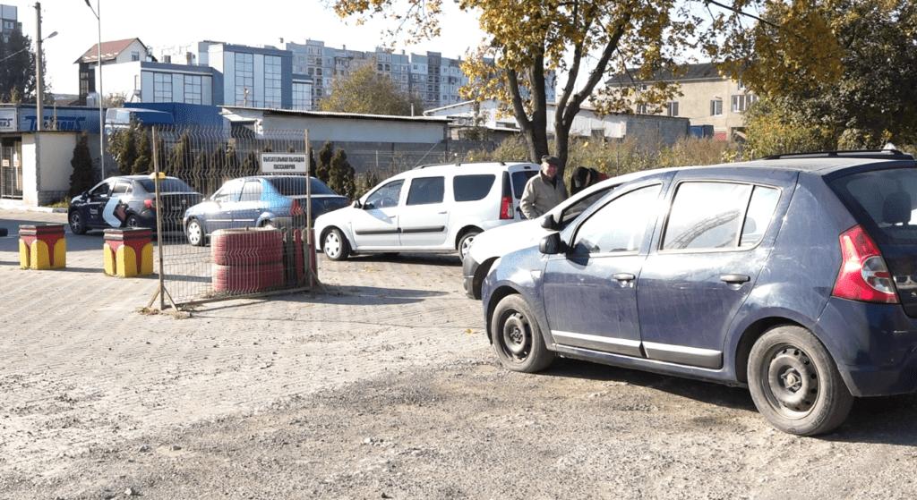 Foto /ФОТО/ Огромная очередь на бельцкой заправке. Водители рискуют остаться без метана 3 27.10.2021
