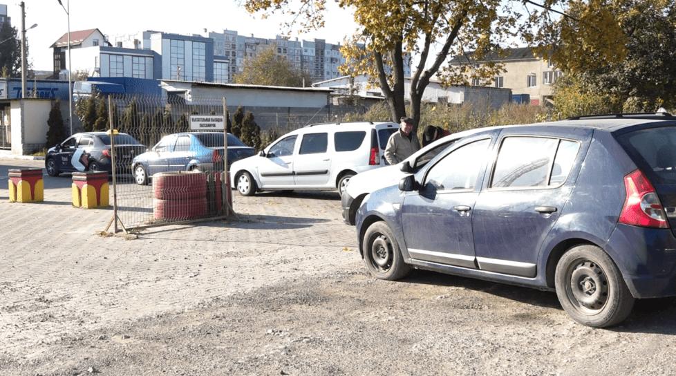 Foto /FOTO/ Cozi imense la o stație PECO din oraș. Șoferii pot rămâne fără gaz metan 1 17.10.2021