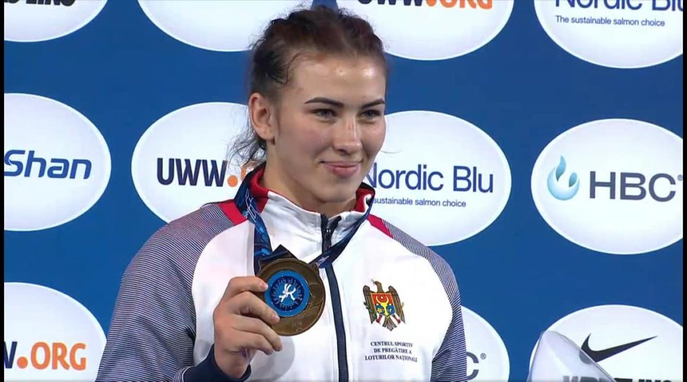 Foto Молдавские спортсменки завоевали золото и серебро на чемпионате мира по вольной борьбе 1 17.10.2021
