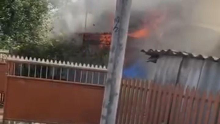 /VIDEO/ În municipiul Bălți se intensifică incendiile. Duminică s-au produs două