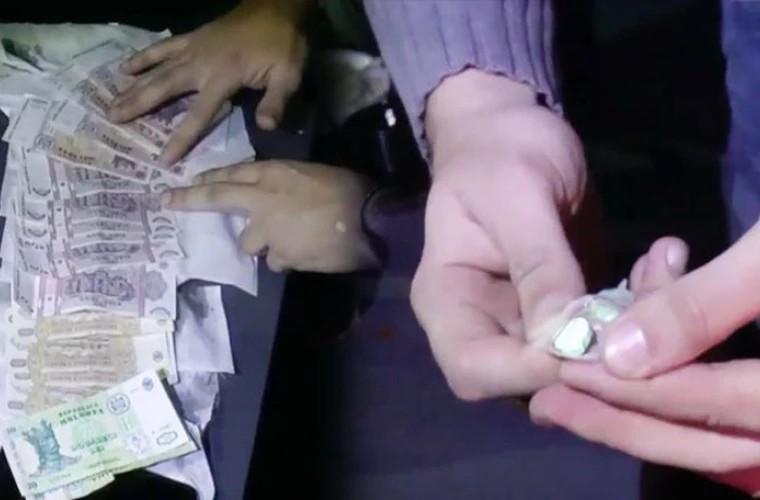 Foto /VIDEO/ Patru membri ai unei grupări infracționale, arestați. Drogurile ajungeau la consumatorii din Bălți și Chișinău 1 27.10.2021