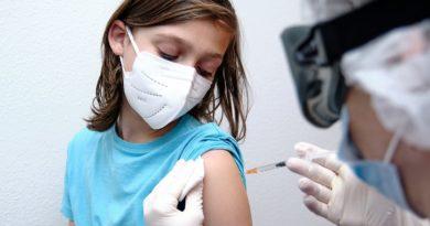 Foto Agenția Medicamentului dă undă verde vaccinării copiilor de la 12 ani. Vezi care e serul indicat 3 26.10.2021