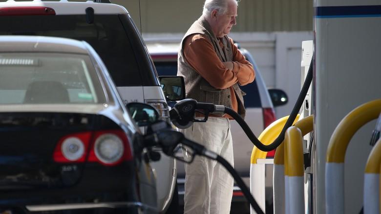 Expert: Benzina a ajuns la cel mai mare preț din istoria țării